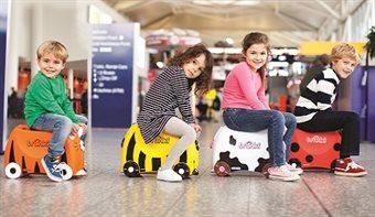 Med børn i lufthavnen